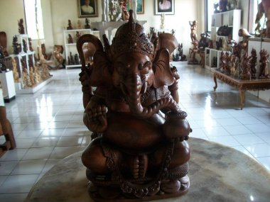 wood carving ganesha