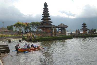 Ulun danu beratan temple